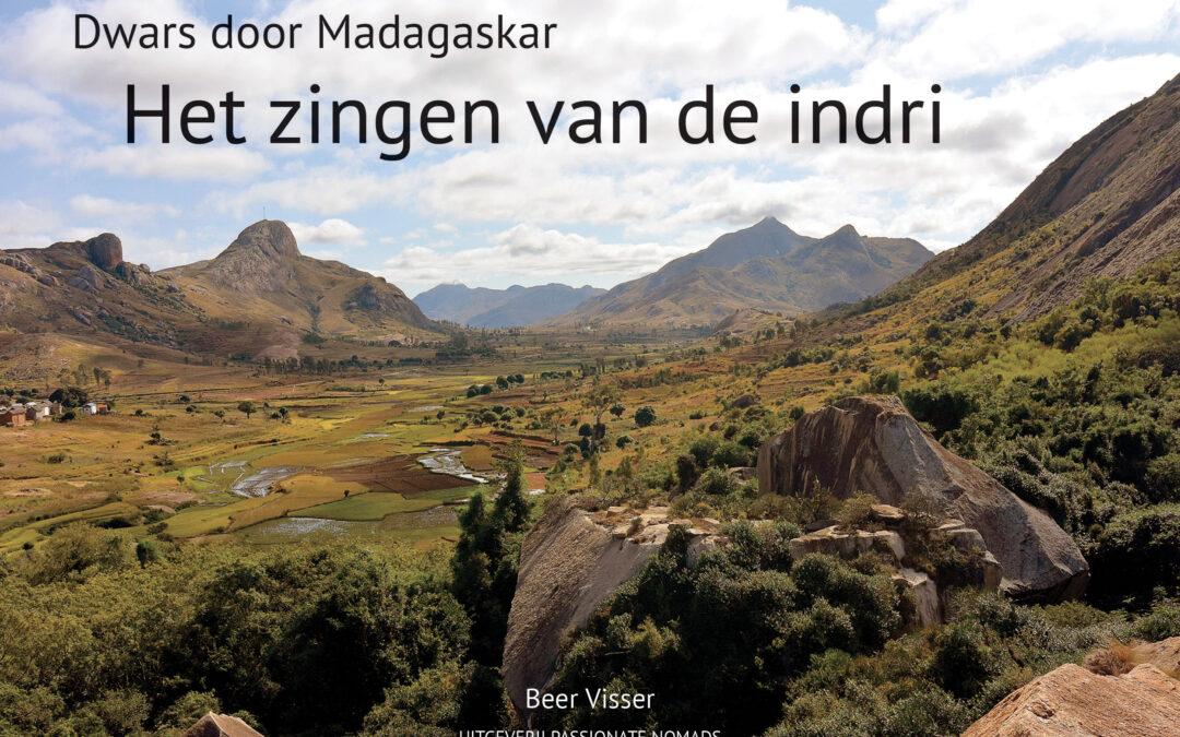 Bestel Het zingen van de indri en plant bomen in Madagaskar